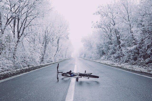 Read more about the article Mountain bike o bici da corsa – qual è la migliore per te?